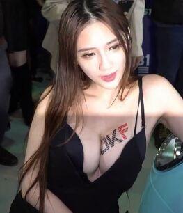 [JKF写真] JKF模特子涵车展视频(四) [1V]